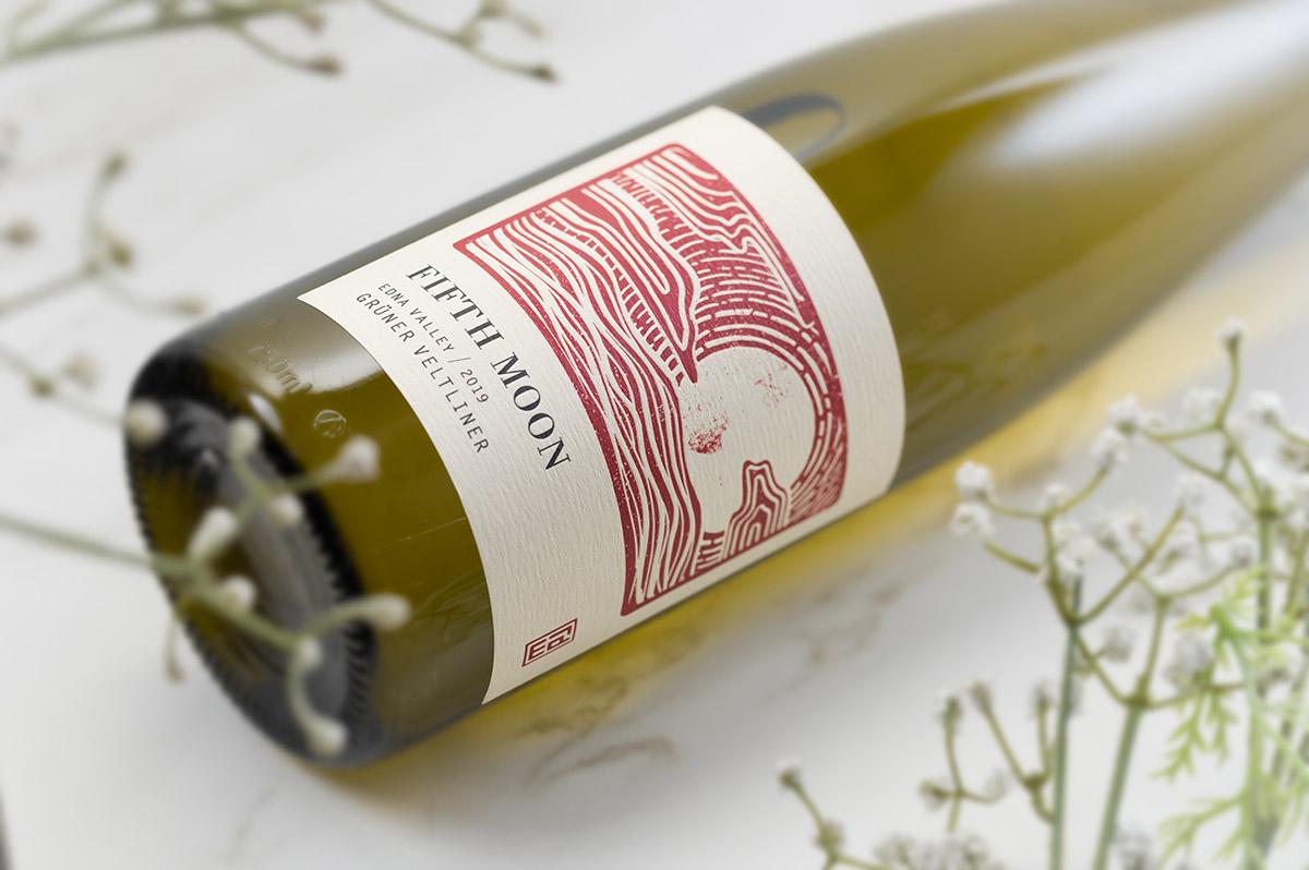 Fifth Moon wine bottle