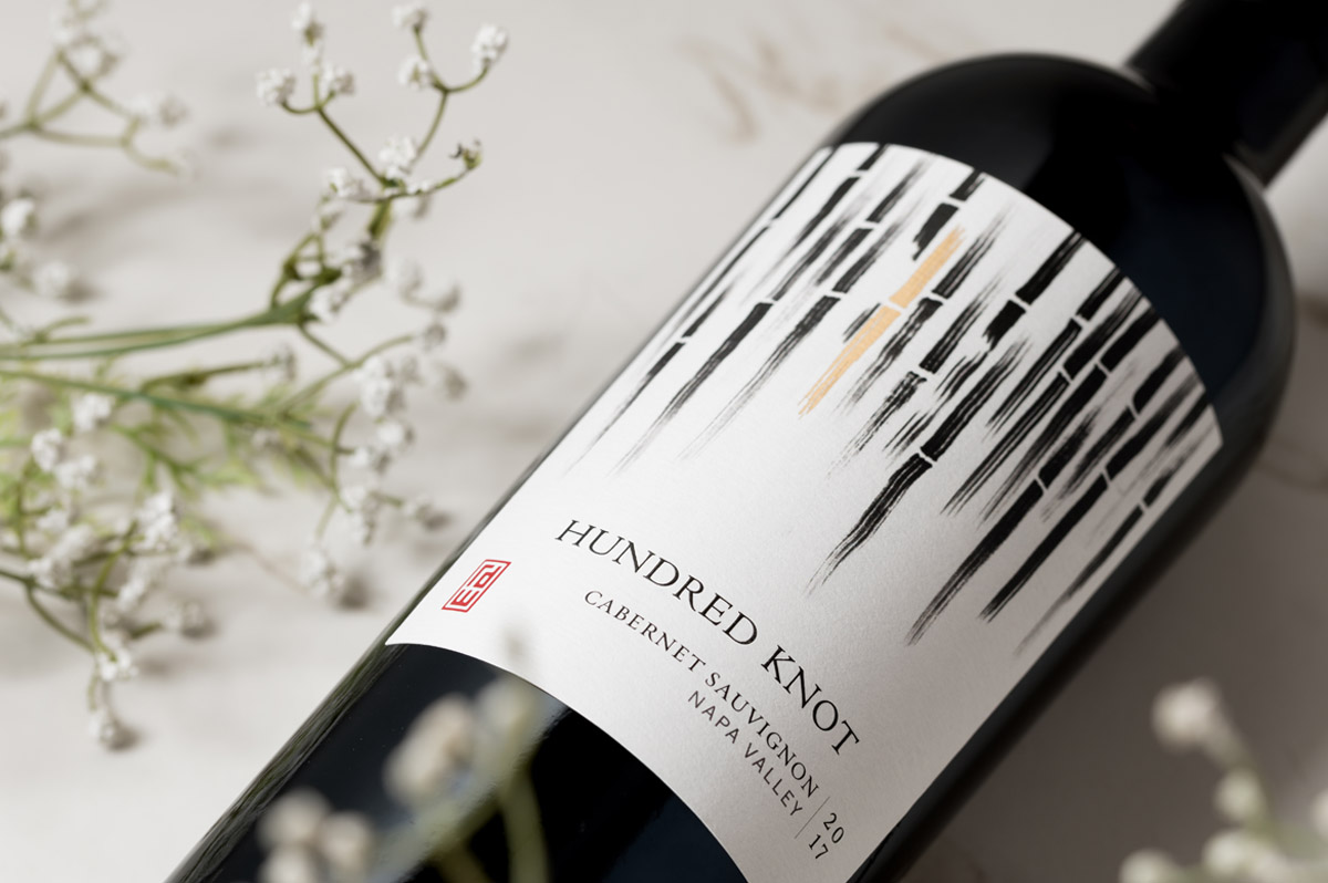 Hundred Knot wine bottle